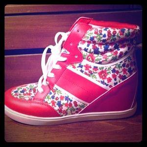 Shoes - Cute wedge sneakers